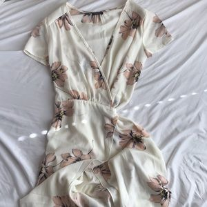 IVORY FLORAL WRAP MAXI DRESS // NASTYGAL